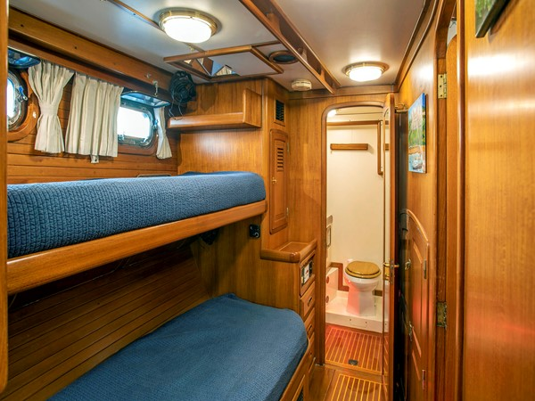 Stbd. Guest Stateroom 1991 LITTLE HARBOR Custom 75 Cruising Sailboat 2375889