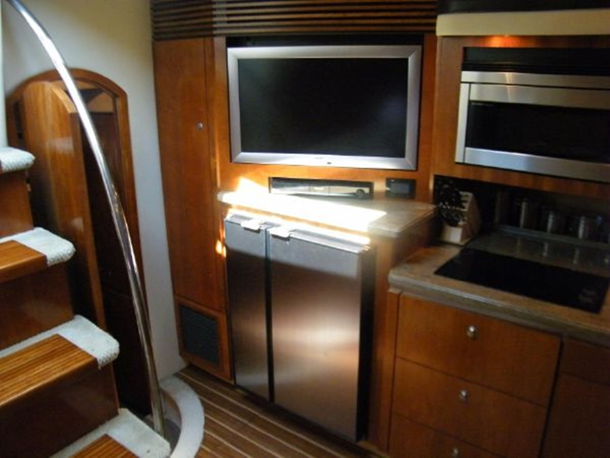 2010 CRUISERS YACHTS 520 Sports Coupe Cruiser 2372804