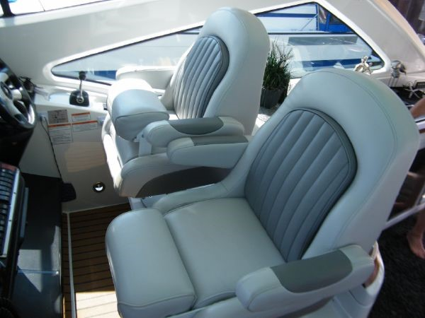 2010 Cruisers Yachts 520 Sports Coupe Cruiser 2372775