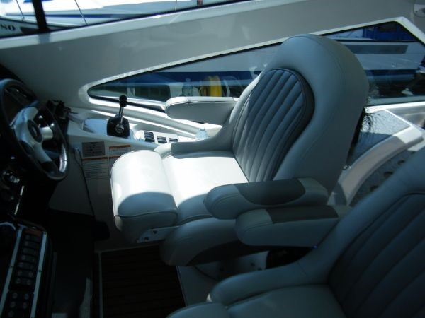 2010 Cruisers Yachts 520 Sports Coupe Cruiser 2372776