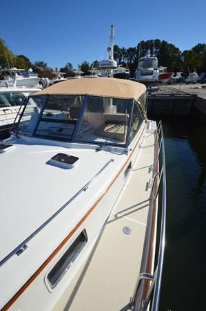 1998 GRAND BANKS 38 Eastbay Motor Yacht 2678969
