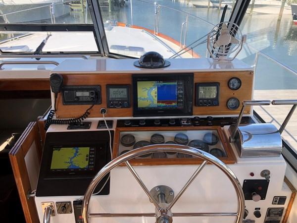 1998 GRAND BANKS 38 Eastbay Motor Yacht 2678972