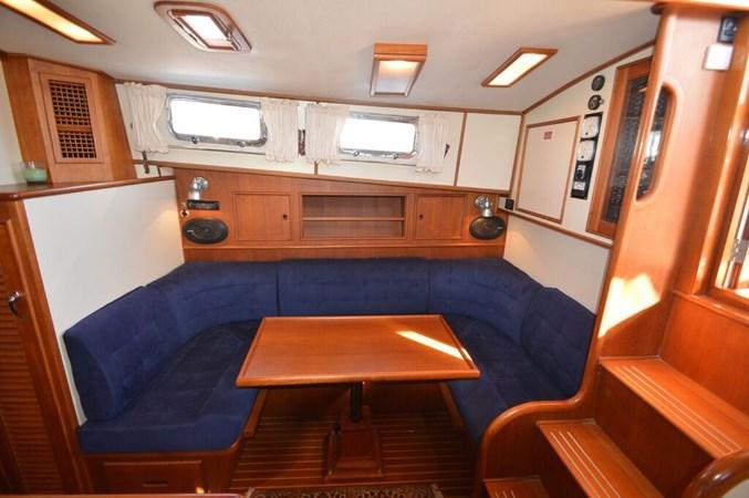 1998 GRAND BANKS 38 Eastbay Motor Yacht 2678978