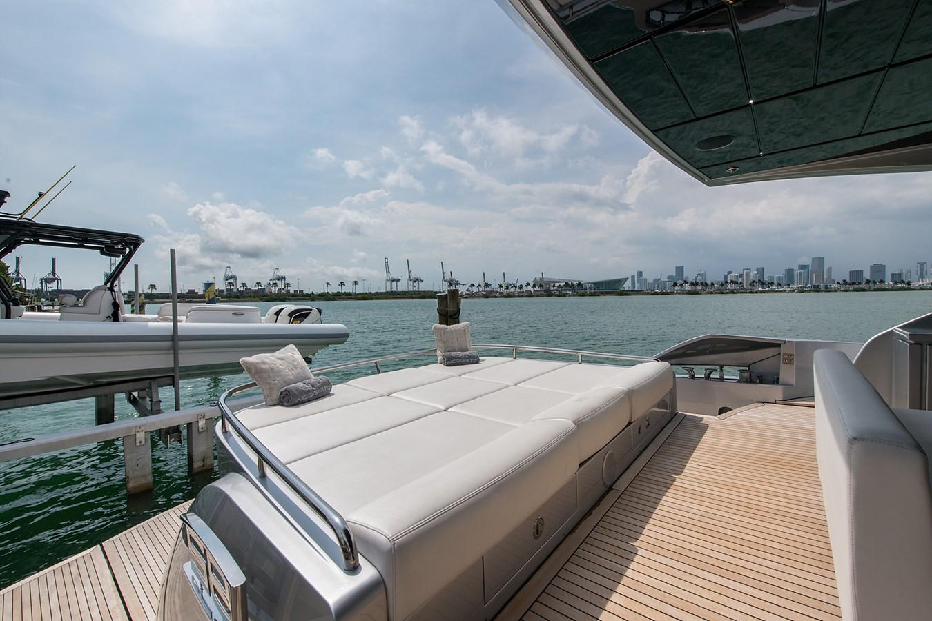 2012 PERSHING Express Cruiser Motor Yacht 2375768