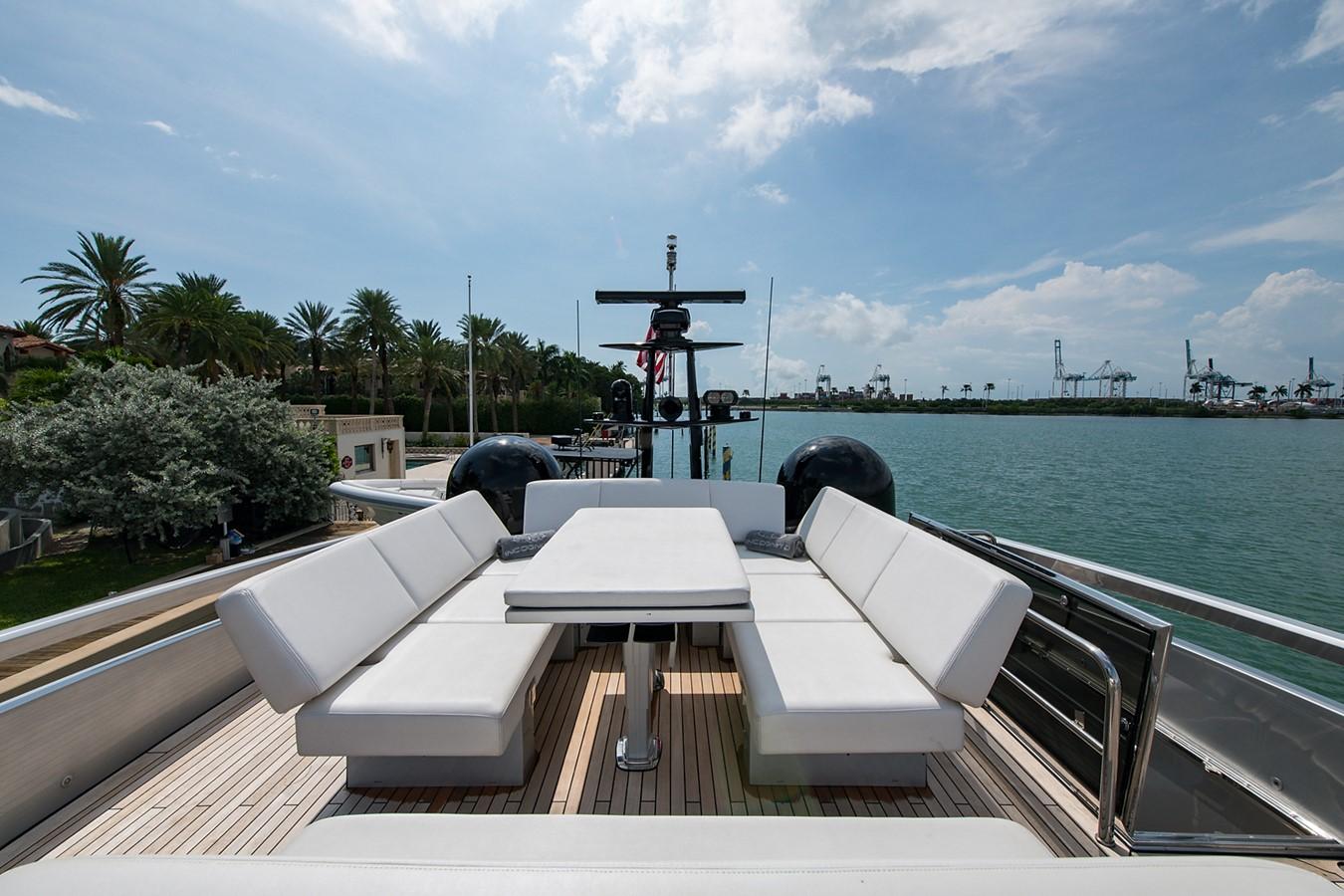 2012 PERSHING Express Cruiser Motor Yacht 2375778