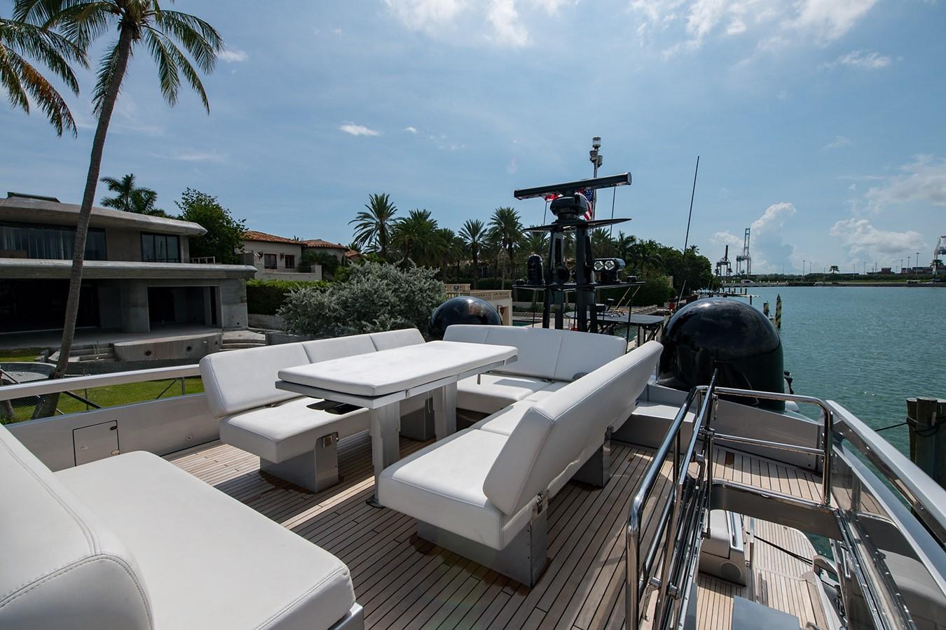2012 PERSHING Express Cruiser Motor Yacht 2375779