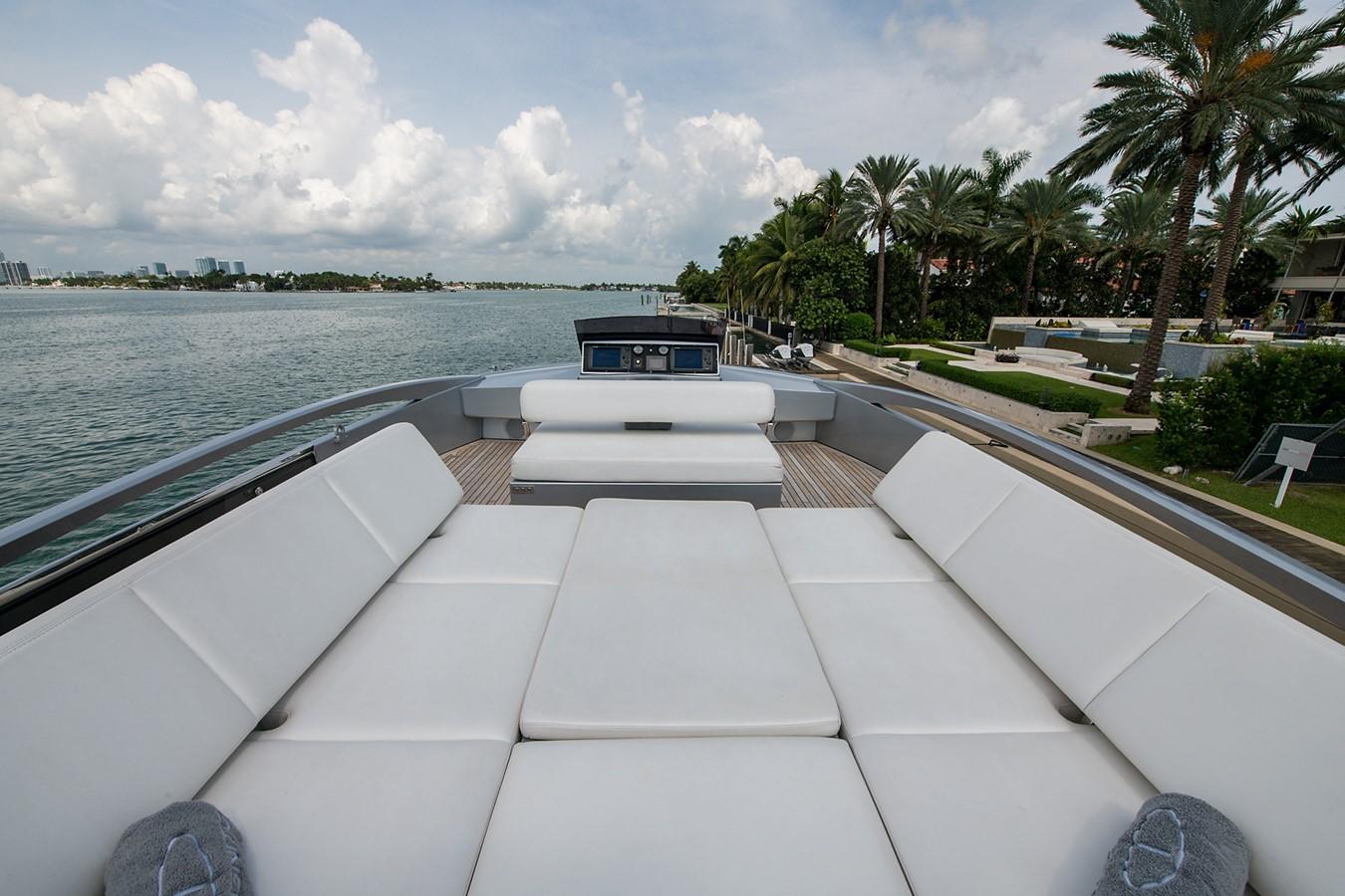 2012 PERSHING Express Cruiser Motor Yacht 2375781