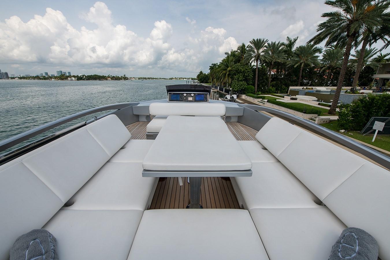 2012 PERSHING Express Cruiser Motor Yacht 2375782