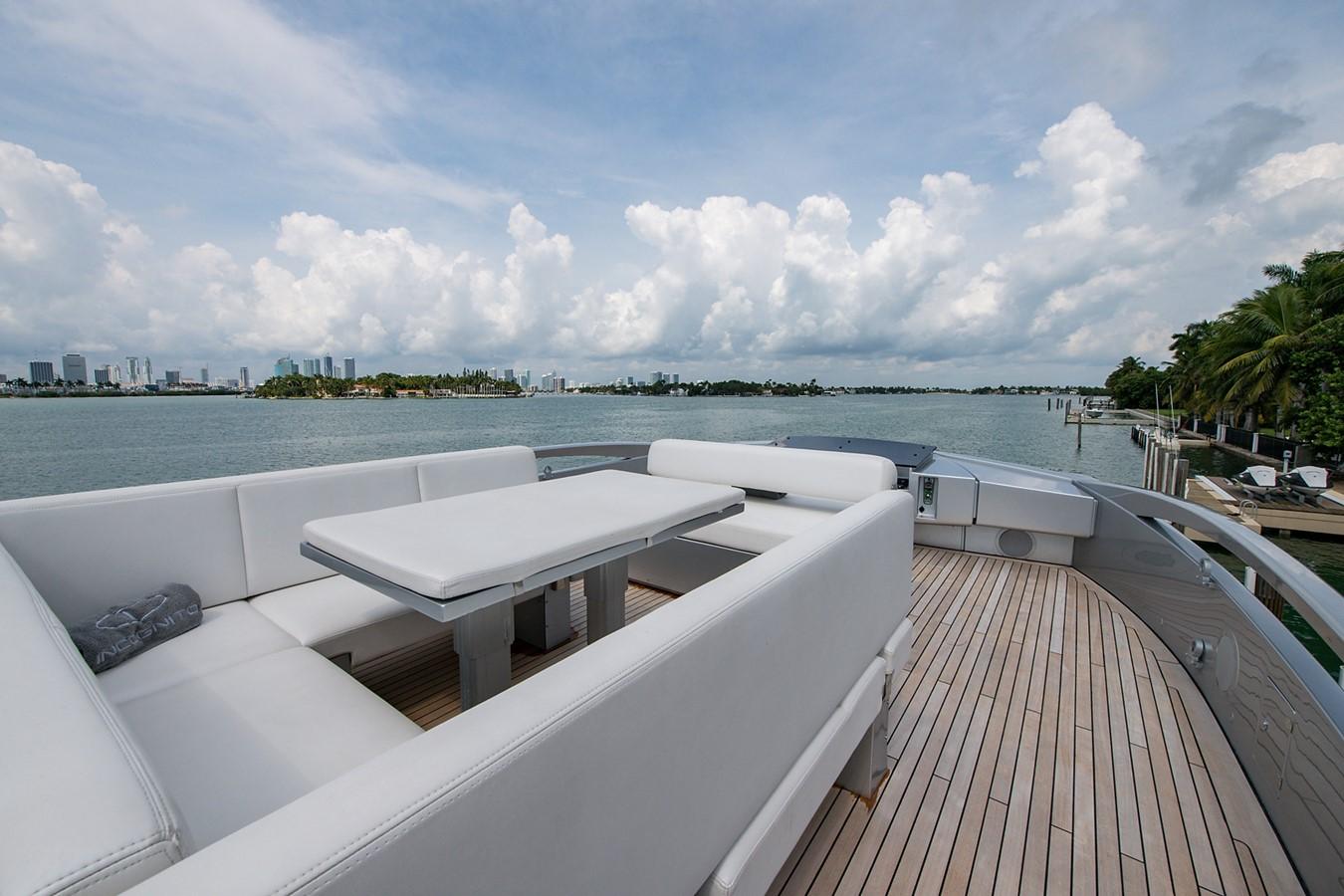 2012 PERSHING Express Cruiser Motor Yacht 2375786