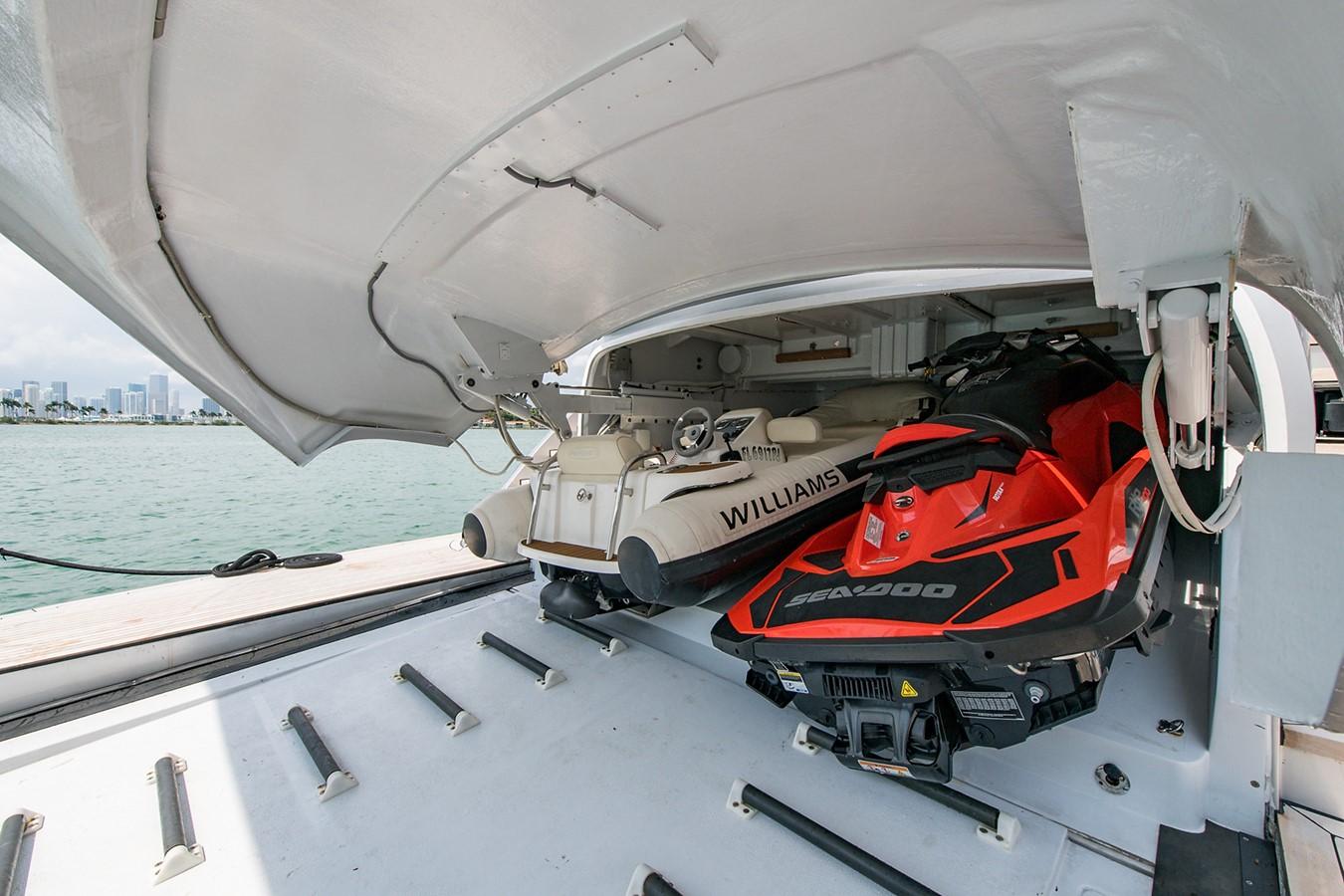 2012 PERSHING Express Cruiser Motor Yacht 2375787