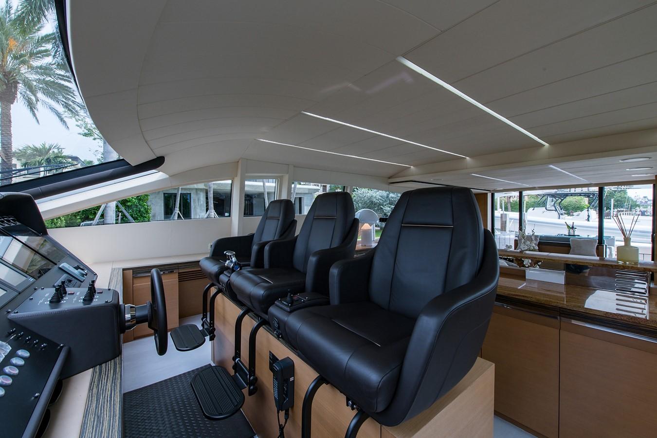 2012 PERSHING Express Cruiser Motor Yacht 2375797