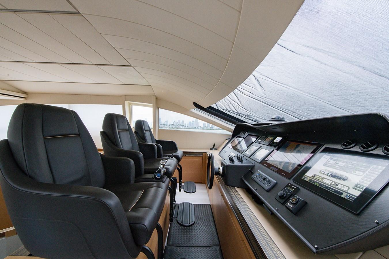 2012 PERSHING Express Cruiser Motor Yacht 2375798