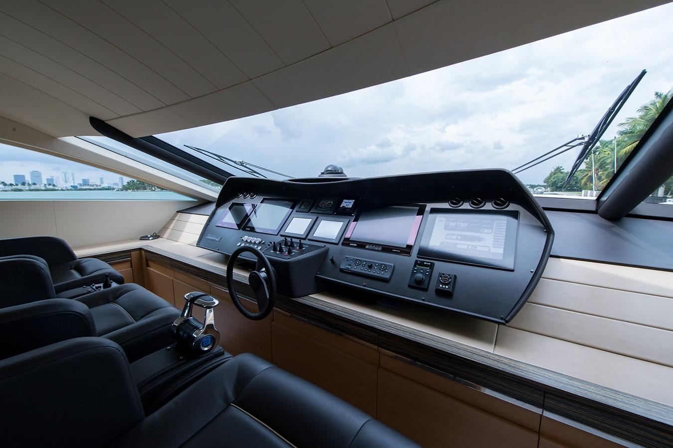 2012 PERSHING Express Cruiser Motor Yacht 2375799