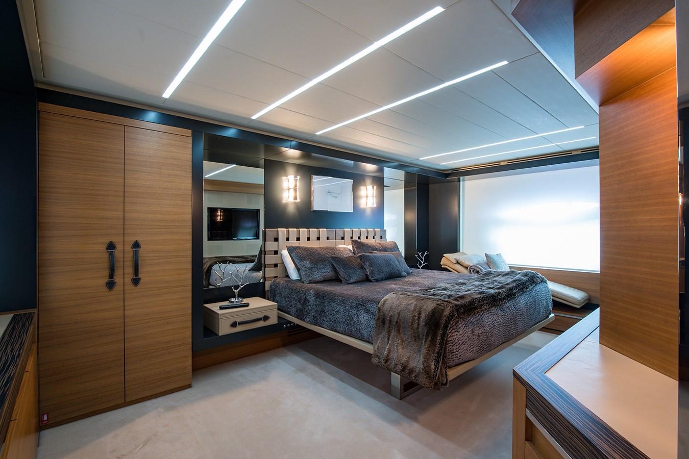 2012 PERSHING Express Cruiser Motor Yacht 2375804