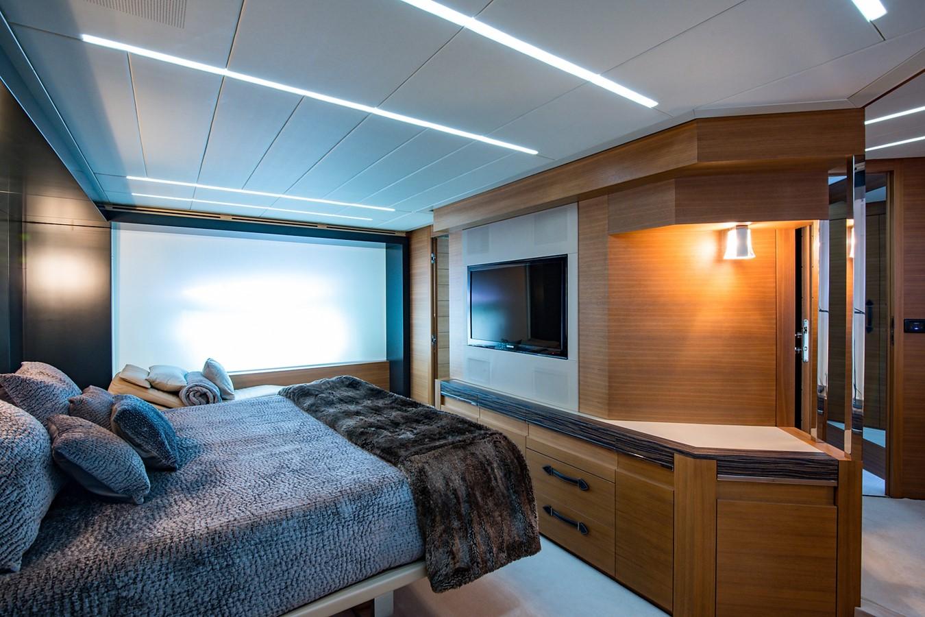2012 PERSHING Express Cruiser Motor Yacht 2375806