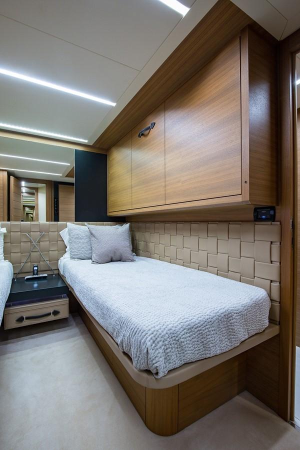 2012 PERSHING Express Cruiser Motor Yacht 2375823