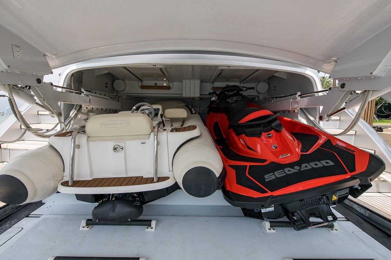 2012 PERSHING Express Cruiser Motor Yacht 2375824