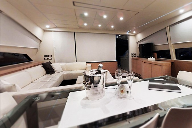 Saloon Dining Area 2009 PERSHING  Motor Yacht 2378348