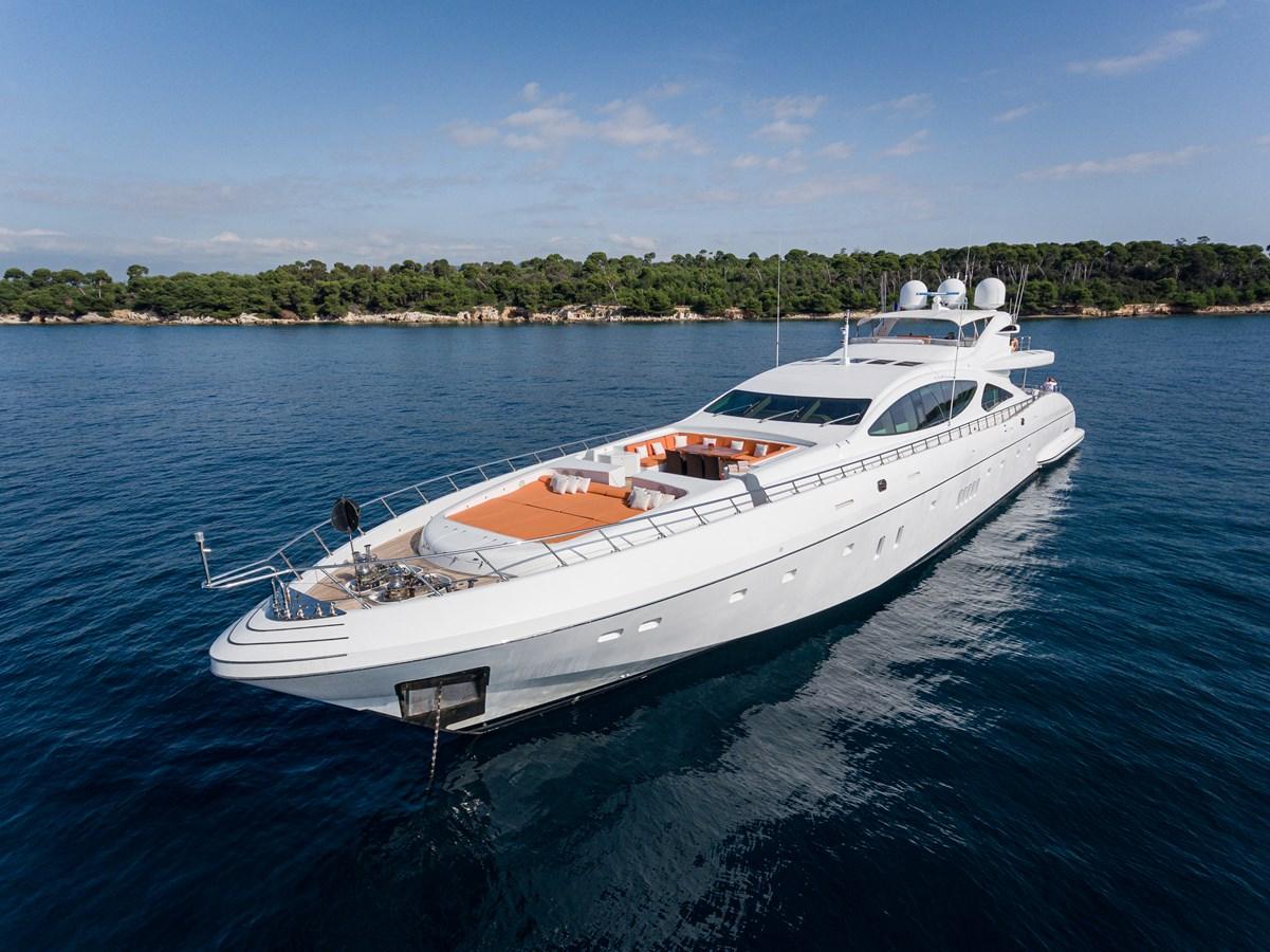 Exterior 2011 OVERMARINE GROUP 165 Motor Yacht 2722154