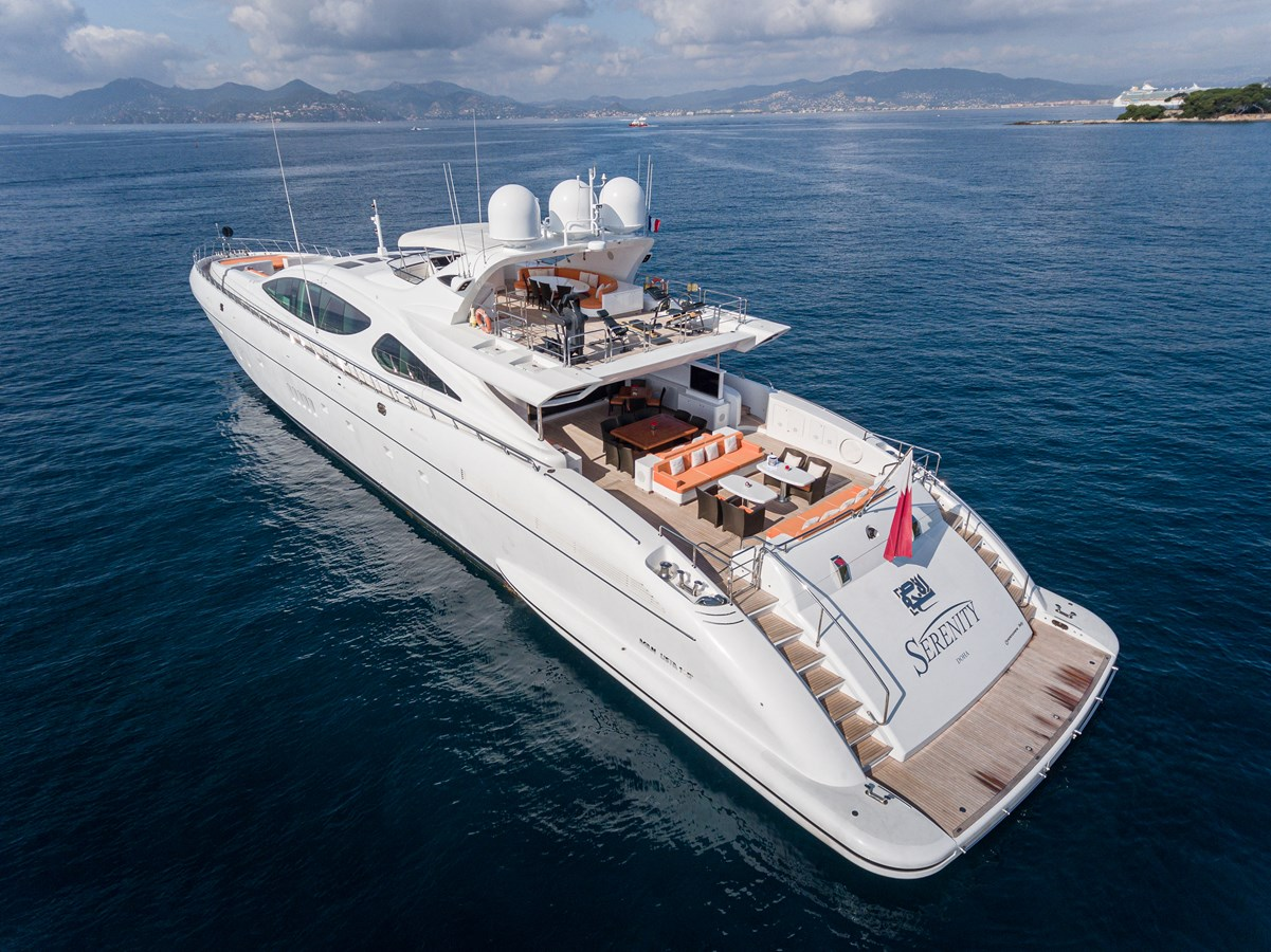Stern 2011 OVERMARINE GROUP 165 Motor Yacht 2722170