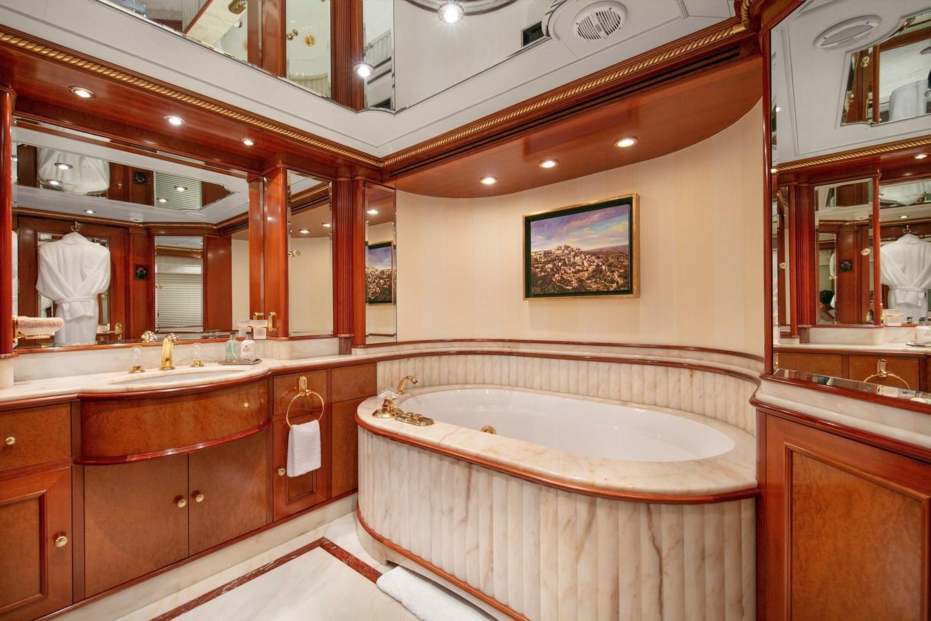 LADY_MICHELLE_00000925_vb1584072 2003 BENETTI  Mega Yacht 2885476