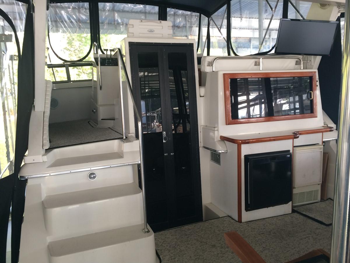 1992 CARVER 43 CPMY Cruiser 2380895
