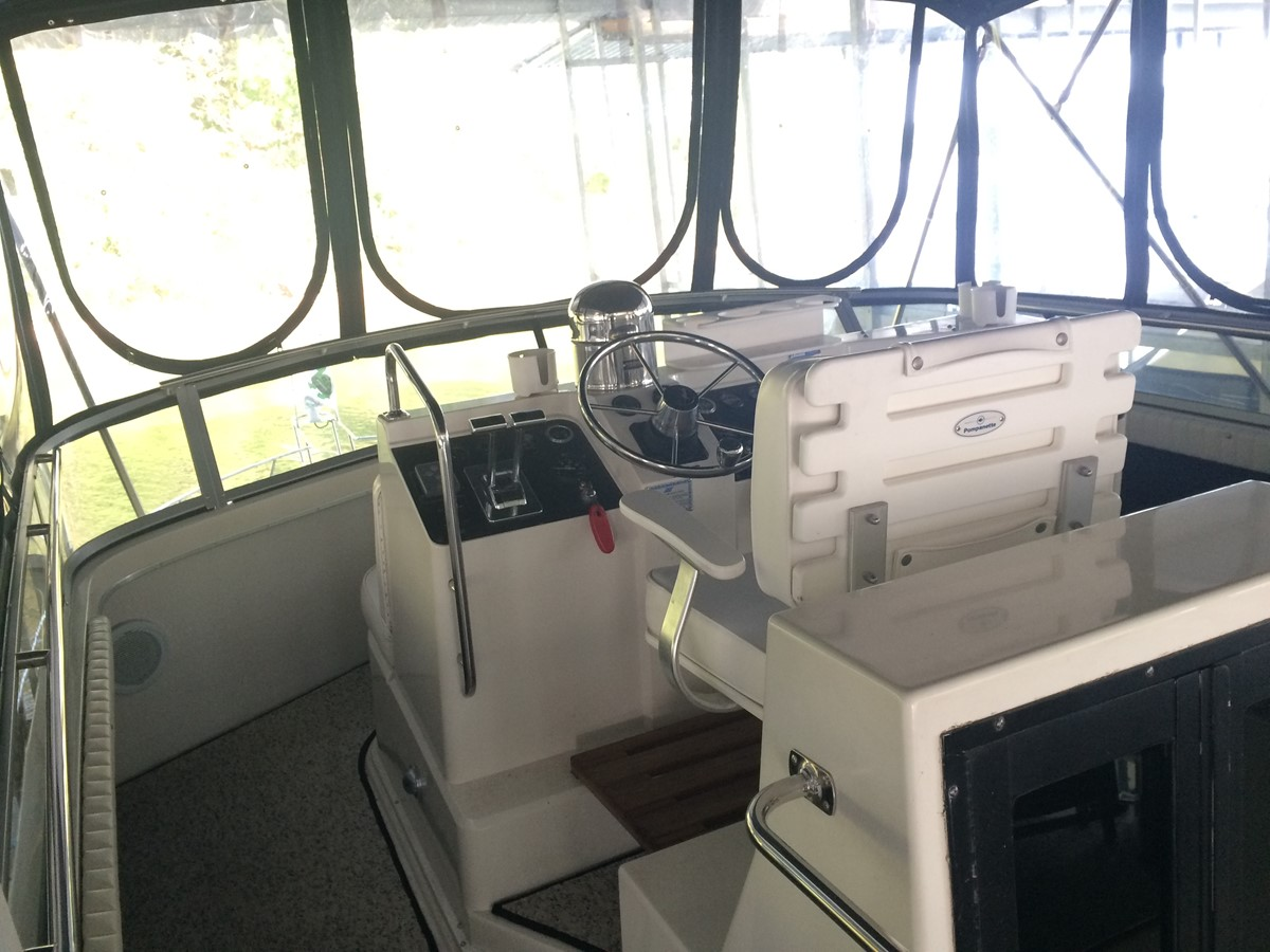 1992 CARVER 43 CPMY Cruiser 2380896