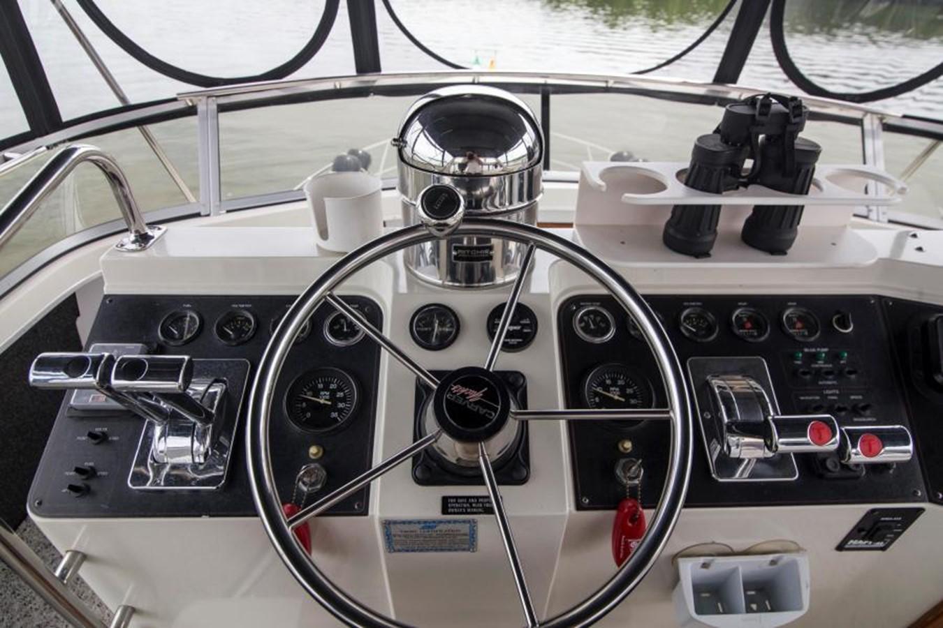 1992 CARVER 43 CPMY Cruiser 2380901