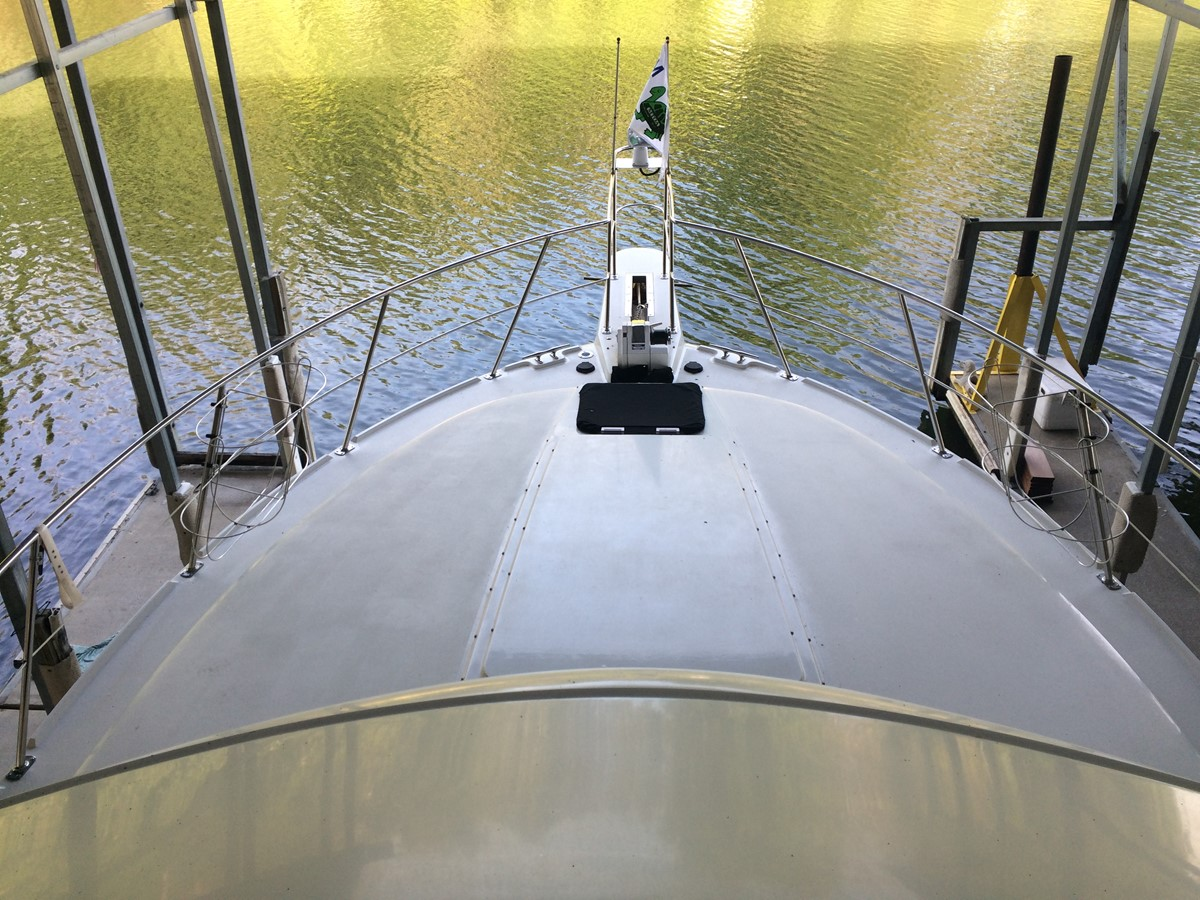 1992 CARVER 43 CPMY Cruiser 2380962