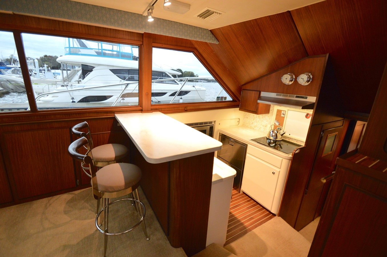 18 - 48 HATTERAS For Sale