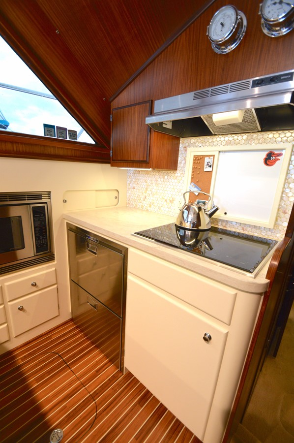 20 - 48 HATTERAS For Sale