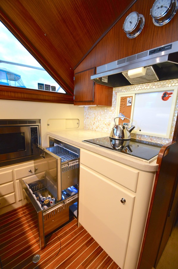 22 - 48 HATTERAS For Sale