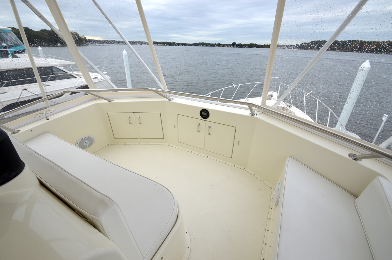 40 - 48 HATTERAS For Sale