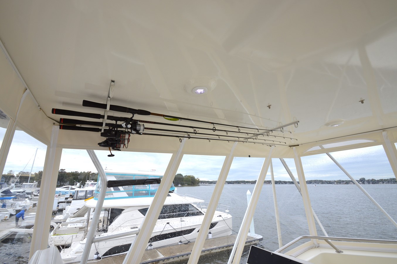 48 - 48 HATTERAS For Sale