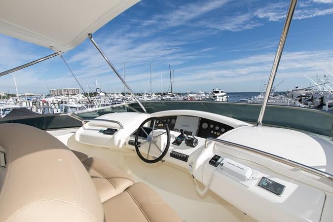 IMGM4640 2004 AZIMUT 80 Carat Motor Yacht 2771668
