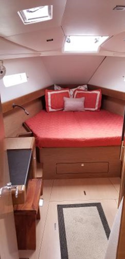 2012 JEANNEAU Sun Odyssey 44 DS Cruising Sailboat 2385326