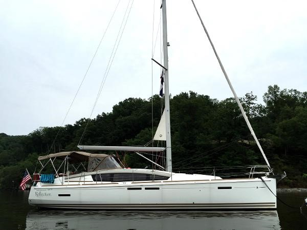At Anchor 2012 JEANNEAU Sun Odyssey 44 DS Cruising Sailboat 2385308