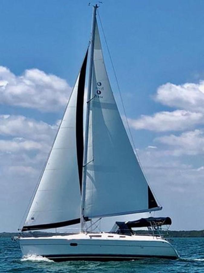 2003 HUNTER 356 Cruising Sailboat 2386250