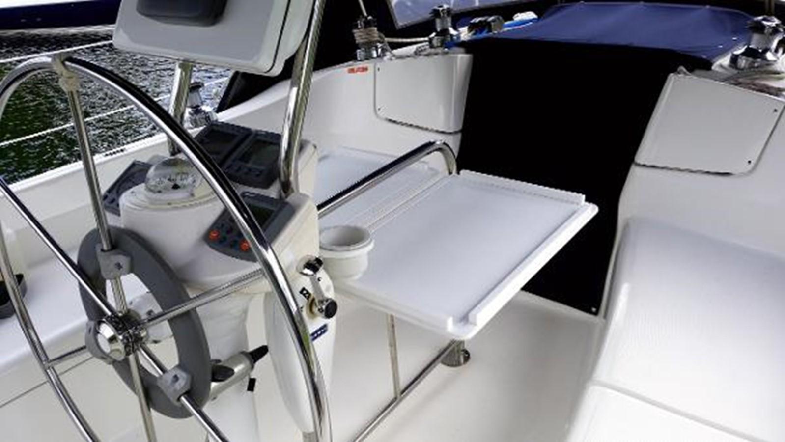 2003 HUNTER 356 Cruising Sailboat 2386267