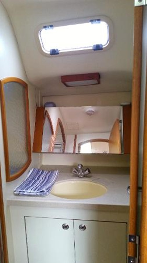 2003 HUNTER 356 Cruising Sailboat 2386284