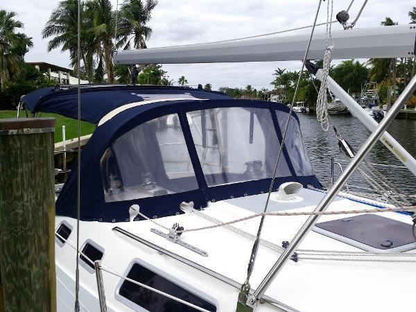 2003 HUNTER 356 Cruising Sailboat 2386256
