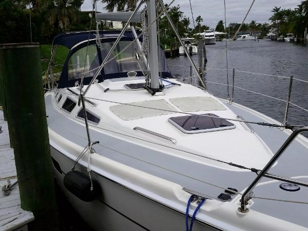 2003 HUNTER 356 Cruising Sailboat 2386258