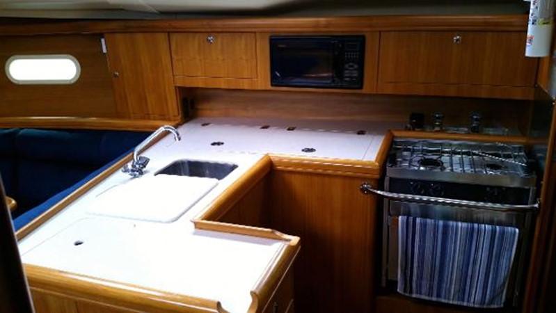 2003 HUNTER 356 Cruising Sailboat 2386270