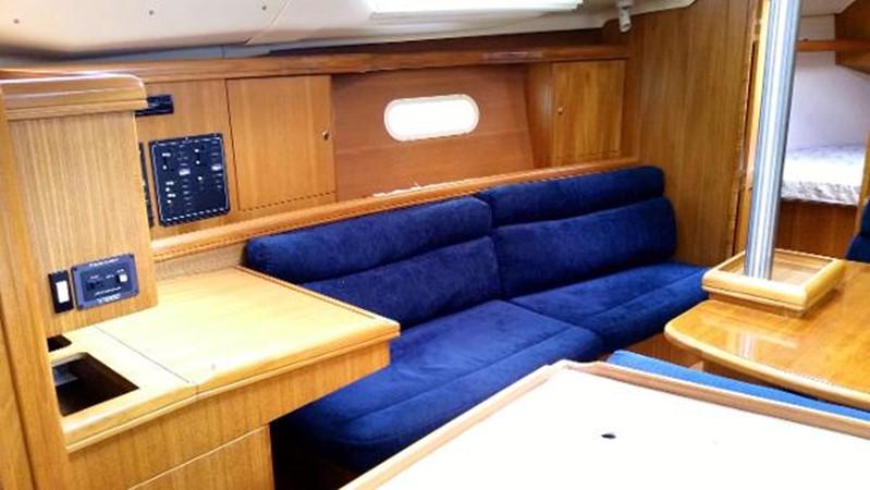 2003 HUNTER 356 Cruising Sailboat 2386274
