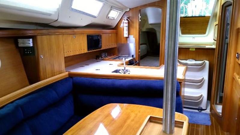 2003 HUNTER 356 Cruising Sailboat 2386276