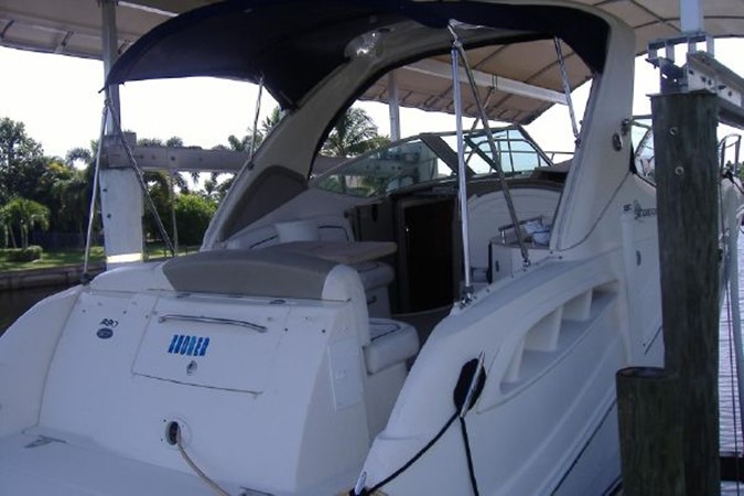 Stern 2006 SEA RAY 290 Sundancer Cruiser 2388870
