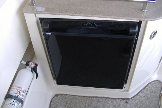 Outside Fridge 2006 SEA RAY 290 Sundancer Cruiser 2388874