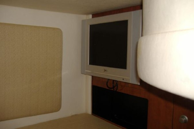 TV in V Berth 2006 SEA RAY 290 Sundancer Cruiser 2388889