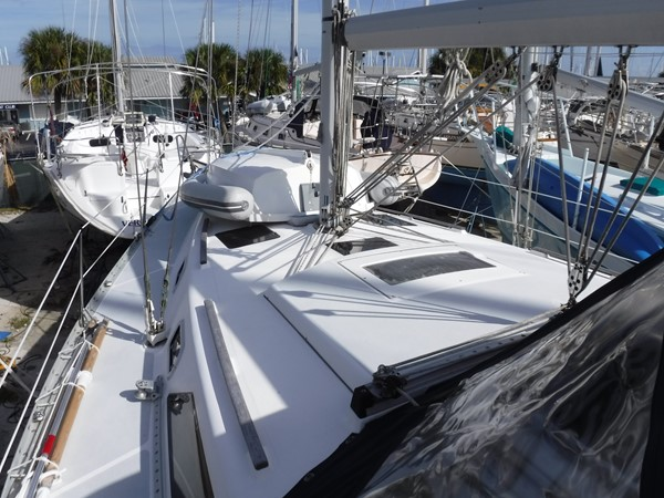 1994 HUNTER  Sloop 2389993