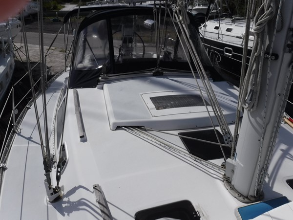 1994 HUNTER  Sloop 2389995